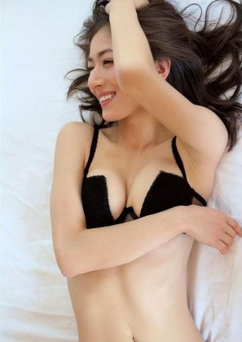 【宮河マヤ(170㎝ハーフ美人)お尻・水着セクシーボディ】画像18枚