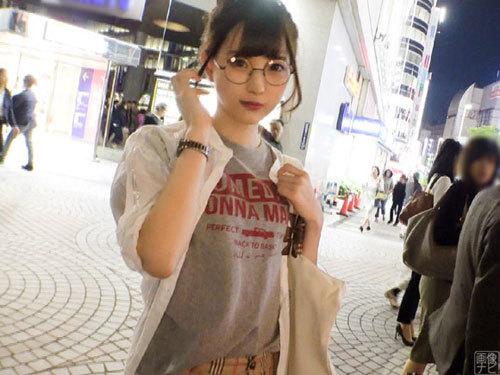 新宿駅周辺で長身の20歳JDをナンパしてエッチ。