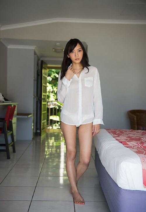 辻本杏のEカップ美巨乳おっぱ60