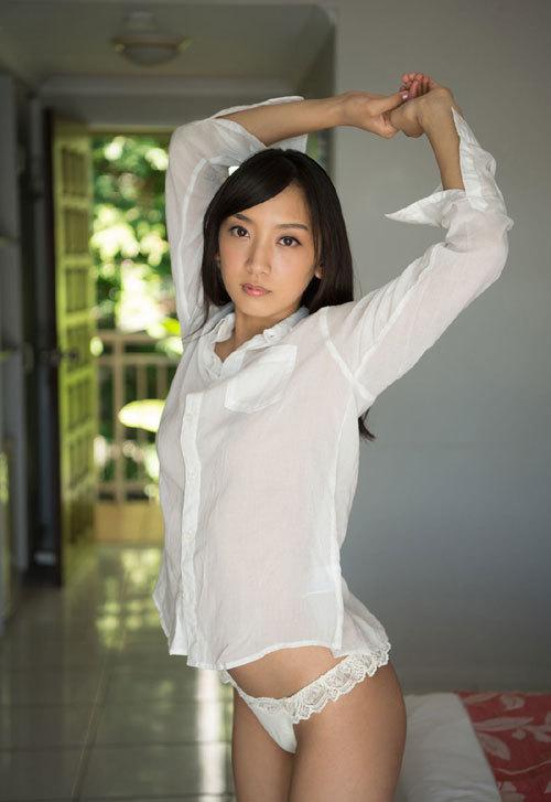 辻本杏のEカップ美巨乳おっぱ61