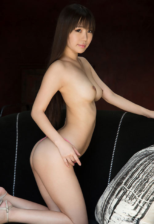 黒川サリナのFカップ美巨乳おっぱい36