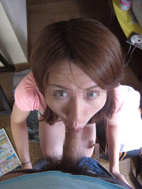 【フェラチオエロ画像】彼氏のペニスを可愛い彼女が口マンコでしゃぶり尽くす…生々しさを感じるwww