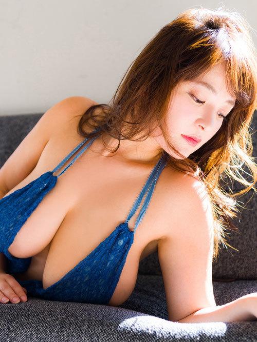 柳瀬早紀、ヤナパイがデカ過ぎて溢れ出てる39