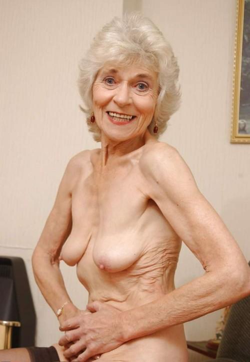 【マニアック画像】熟女好きとかいう人、ここまで年行っている女性でもイけるんかwwwwwwwwww