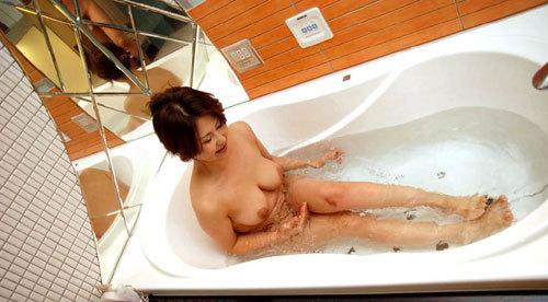お風呂に一緒入って癒やされたいおっぱい23
