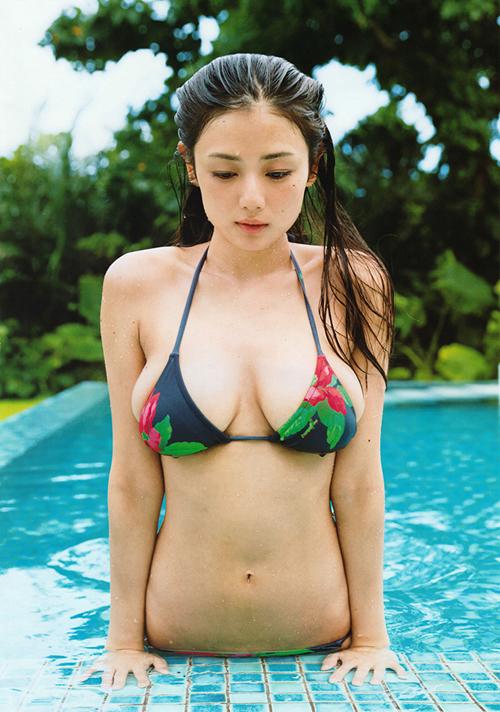 海水浴シーズンが待ち遠しくなる水着グラビア画像100枚