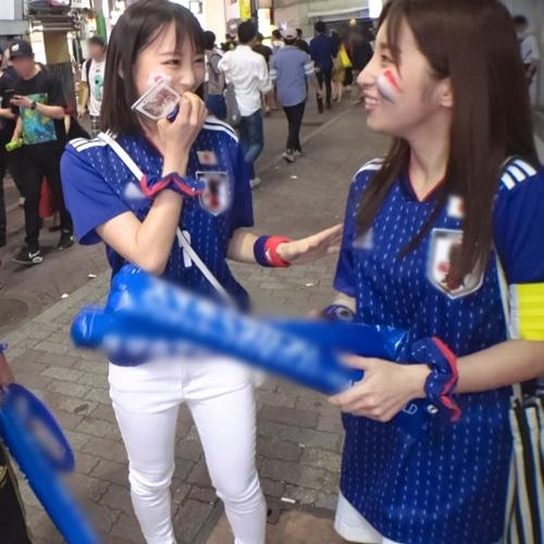 ワールドカップでテンション上がって日本サポーター2名がAV出演