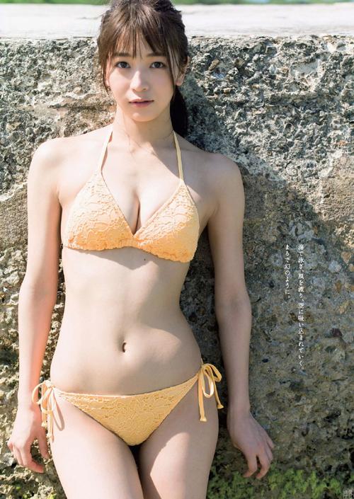 傳谷英里香(22) ベイビーレイズJAPANのリーダーが初水着グラビア。