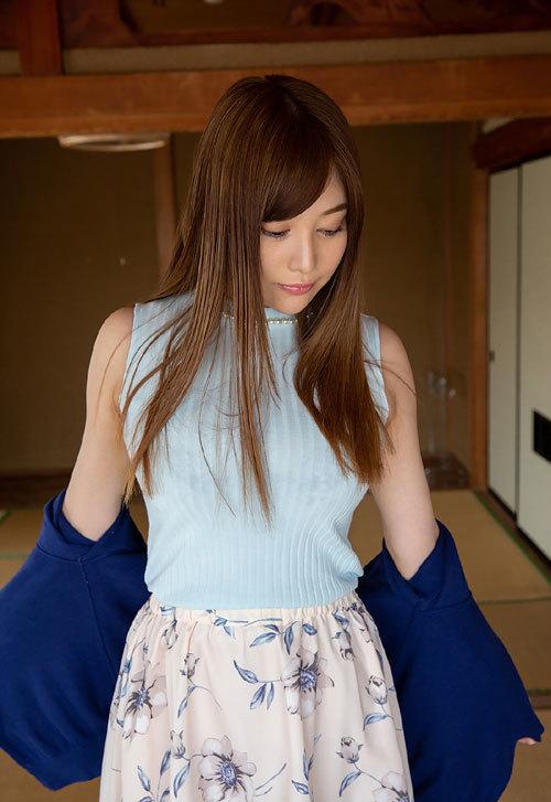 益坂美亜のJカップ美爆乳おっぱい7
