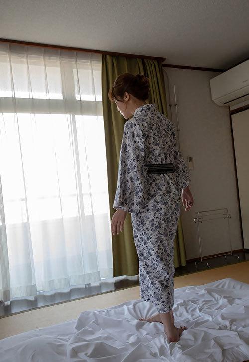 益坂美亜のJカップ美爆乳おっぱい96