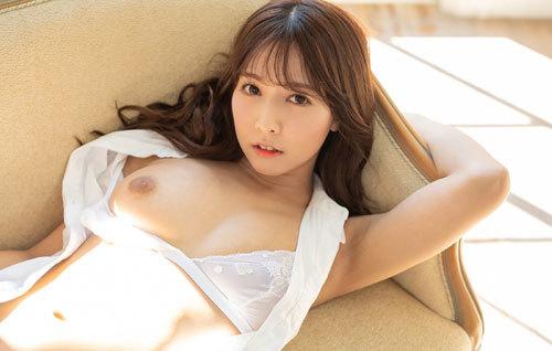 三上悠亜のFカップ美巨乳おっぱい16