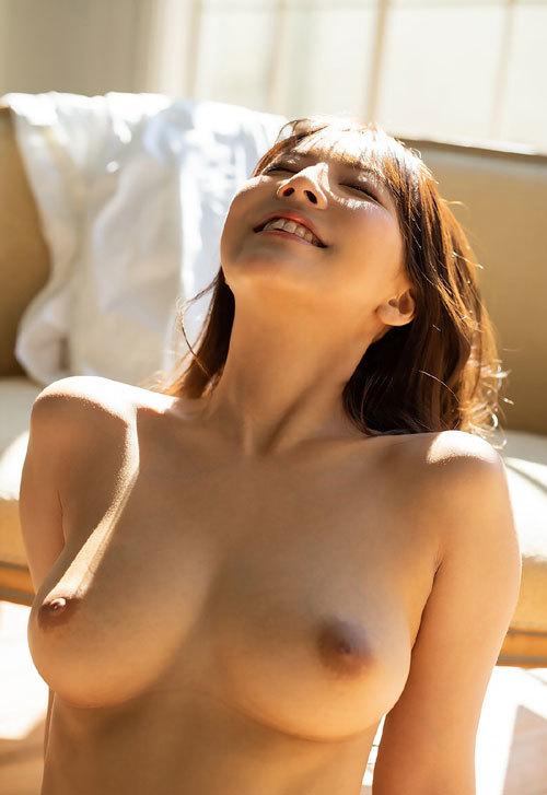 三上悠亜のFカップ美巨乳おっぱい37