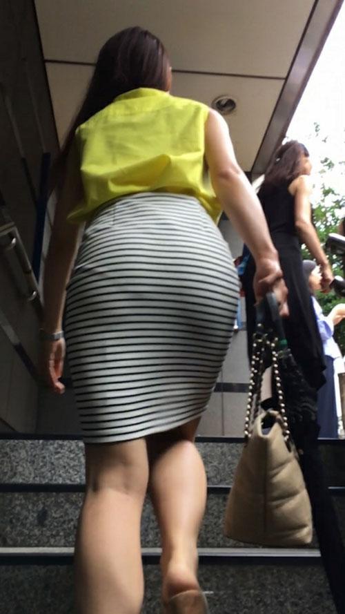 おしりに喰い込むタイトミニ★エロ画像50枚