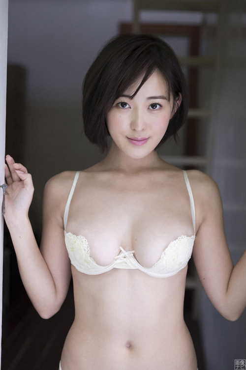 忍野さら(22) 白くて柔らかいエロ乳画像