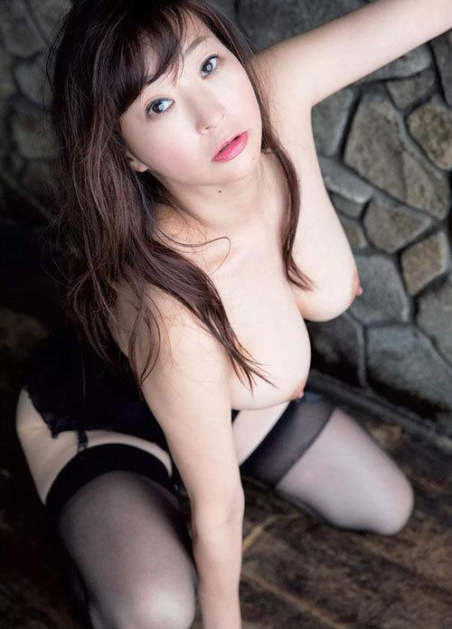 【江口ナオ】匂い立つような正統派女優の完熟ヘア【ヌード】