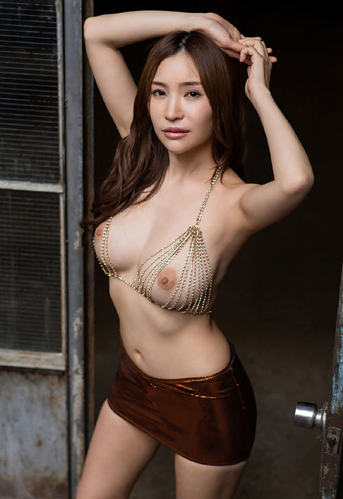 葵ちゃんのHカップ美巨乳おっぱい38
