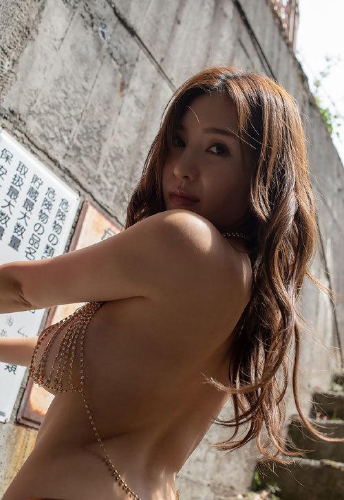 葵ちゃんのHカップ美巨乳おっぱい50