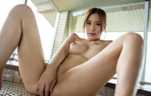 葵ちゃんのHカップ美巨乳おっぱい65