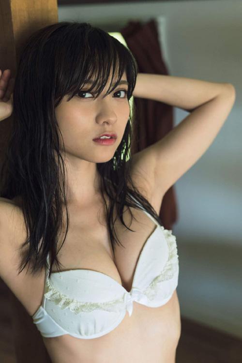 桃月なしこ(22) 超可愛いガチの現役ナースがグラビア参戦!