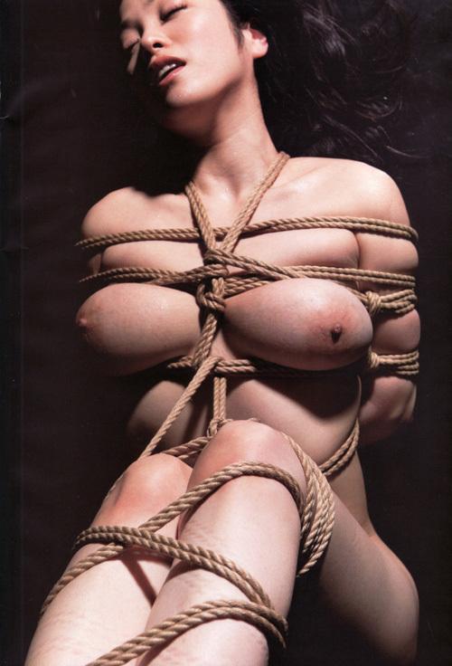 3次元 緊縛やら拘束されてる女の子のエロ画像まとめ 36枚