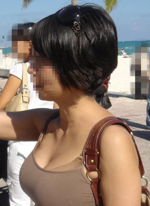 【熟女着衣巨乳エロ画像】むっちり体型の人妻おばんさんの若い娘にはない妖艶な色気が半端ないwww