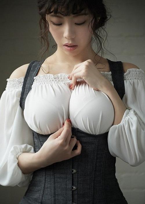 【着衣巨乳】巨乳様の服装から生み出せるエロス・・・それは着衣巨乳!!