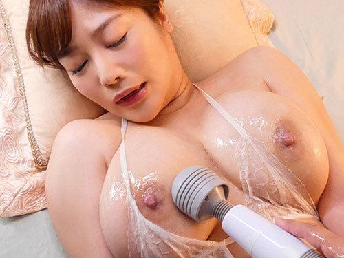 益坂美亜 Jカップの爆乳おっぱいを揺らしながらイキまくり追撃弾丸ピストン