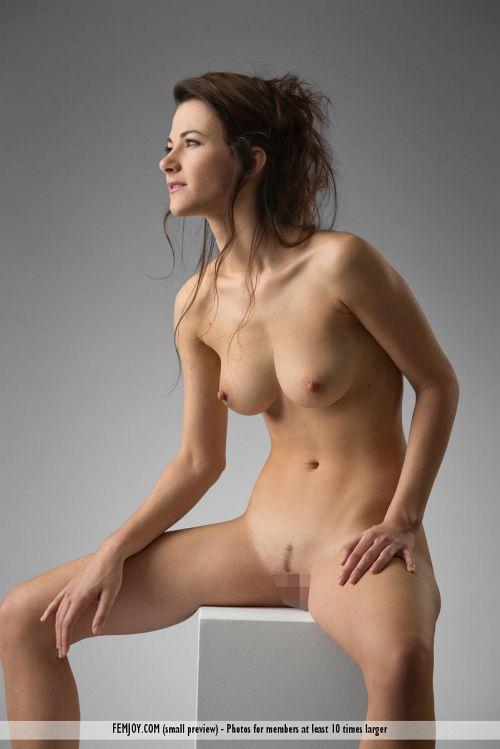 リアルマネキン人形w奇跡の天然プロポーションを持つ、海外美人モデルの美し過ぎるハダカwww # 外人エロ画像