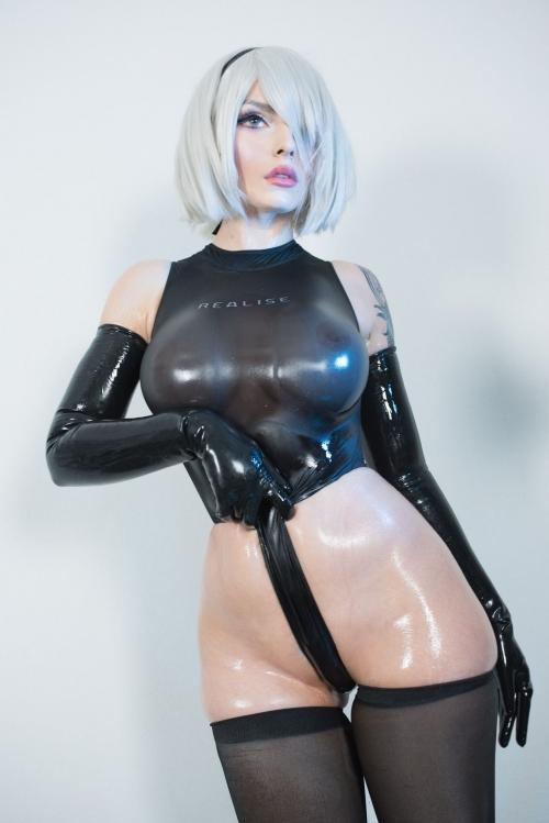 """『NieR:Automata(ニーア オートマタ)』衣装着脱しすぎてヌードにw """"2B""""コスプレ画像"""