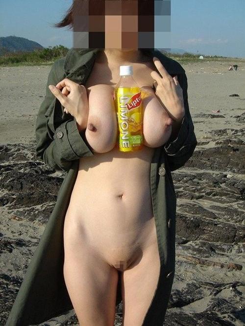 ※露出※コートの下は裸って…どうなってんだよ女どもwww(画像30枚)