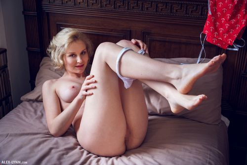 Kery - IN HER ROOM 15