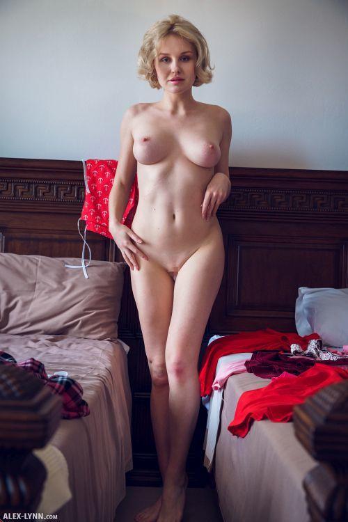 Kery - IN HER ROOM 18