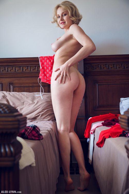 Kery - IN HER ROOM 19