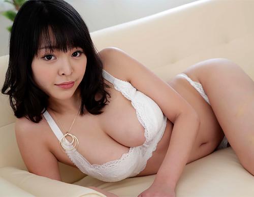 【真菜果】8頭身で天然Hカップの美巨乳AV女優、素顔のセ○クスドキュメンタリーwww【エロ動画と画像】