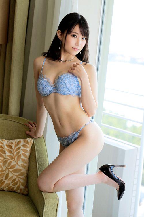 大佐和愛美 25歳 キャリアカウンセラー 01