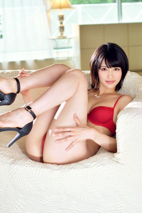 小田萌咲 27歳 イラストレーター 03