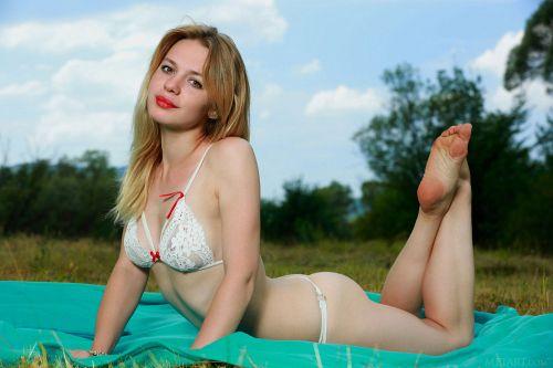 Elisa Liv - PRESENTING ELISA LIV 02