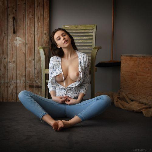Alisa Amore - PRESENTING ALISA AMORE 04