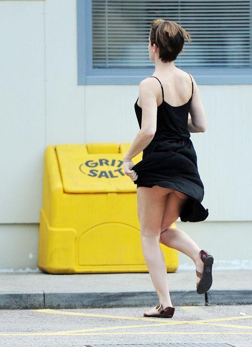 【お宝エロ画像】エマ・ワトソンの 乳首ポチ + パンチラ + ケツチラ!www 08