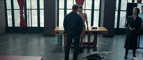 【お宝エロ画像】映画『レッド・スパロー』主演女優ジェニファー・ローレンスの透け乳・横乳など、セクシー画像集めwww 20