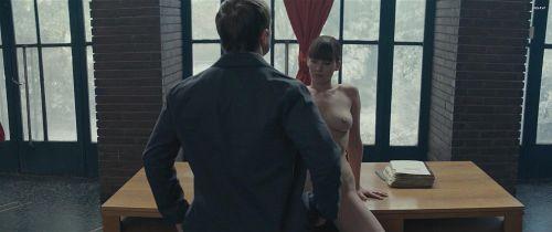 【お宝エロ画像】映画『レッド・スパロー』主演女優ジェニファー・ローレンスの透け乳・横乳など、セクシー画像集めwww 22