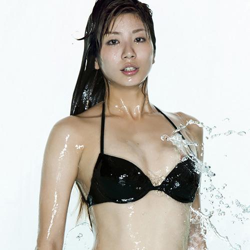【ポロリ事故】シンクロ青木愛、乳輪がハミ出していた…水着からピンクの乳首が飛びだす…