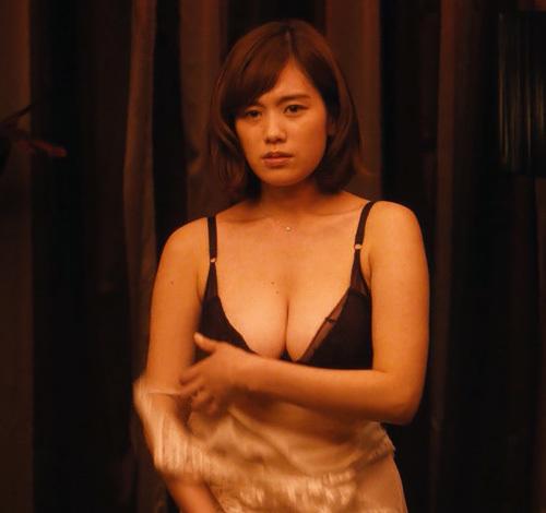"""筧美和子、遂に""""おっぱい""""を解放…⇒やっぱり垂れ乳だった…(※画像あり)"""