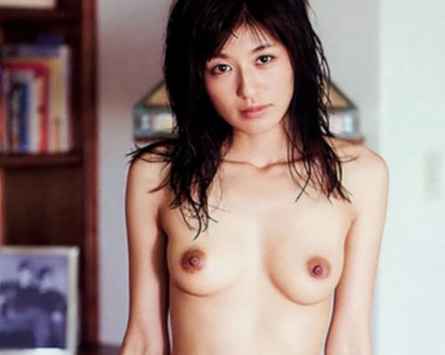 【乳首】宮内知美(42) 再婚した元ミニスカポリスの全盛期ヌード画像が大量に出てきたwwww