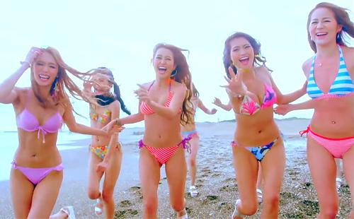 CYBERJAPAN DANCERS「Summer Summer」悩殺ビキニ姿のMV