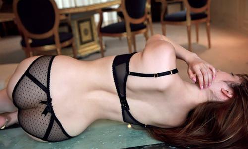 【シースルー下着女子のお尻まん毛は丸透け】エロ画像25枚