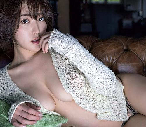 【忍野さら】噴き出すエロス!Gカップ柔乳ギリギリ&透け透けセクシーショットwww