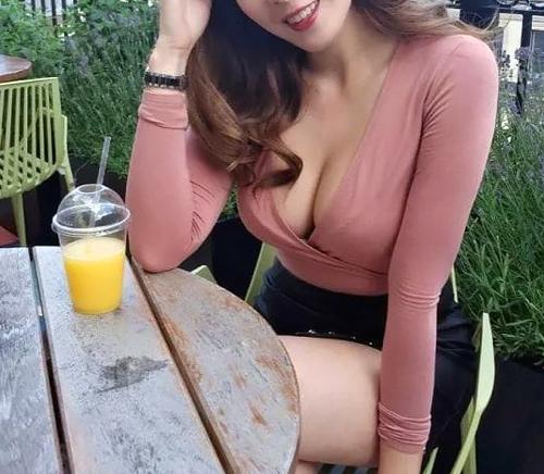 【画像】お○ぱいが大きすぎる女性医師が発見されネット中で話題沸騰wwwwww