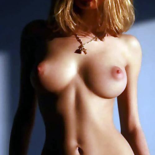 空前絶後の超美乳!外国人美女のワンランク上の美乳にうっとり・・・