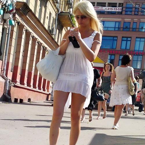 【超シースルー】海外まんさん夏の装い、パンツ隠す気無さすぎでワロタwwwwwwwww(画像30枚)